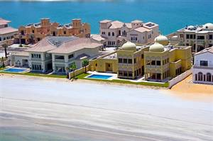 Villas on Palm Jumeirah Island