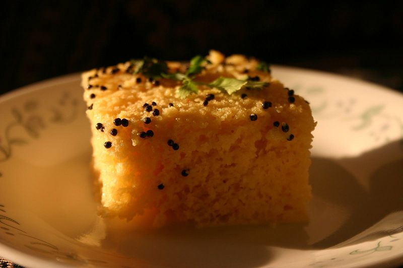 800px-Khaman dhokla creative commons