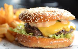 Thumbnail for Conquer Your Burger Cravings at Dubai's Top Burger Hotspots
