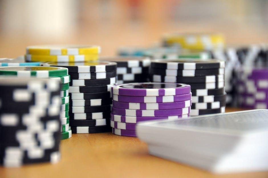 poker table in dubai
